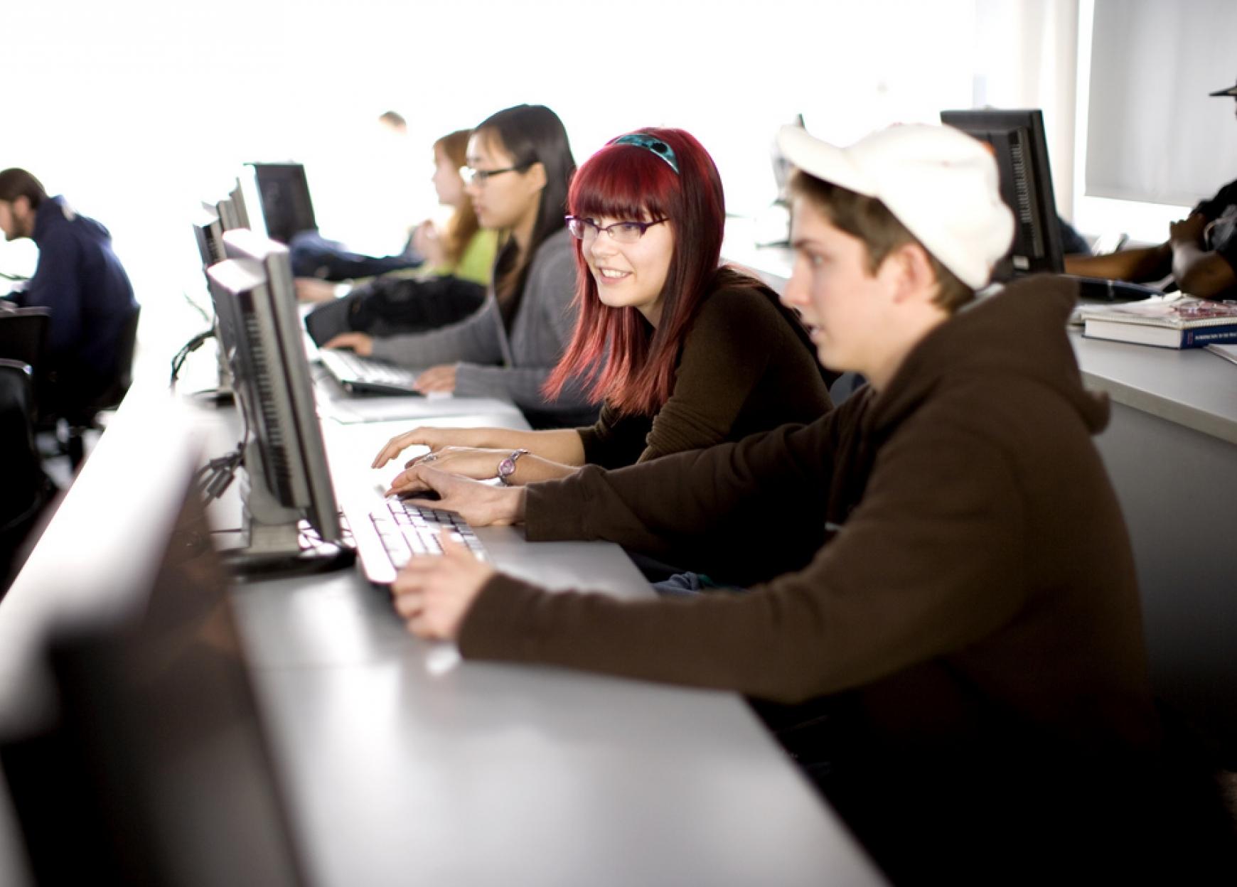 Developpement-mise-en-aeuvre-et-deploiement-d-un-Espace-Numerique-de-Travail-ENT-au-profit-des-colleges-du-Departement-de-l-Eure.jpg