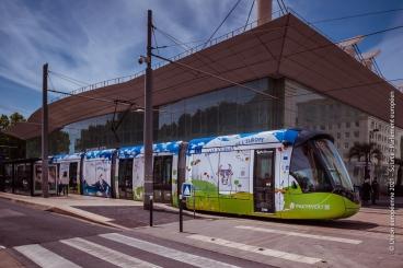 Le tramway de Montpellier décoré aux couleurs du pacte vert